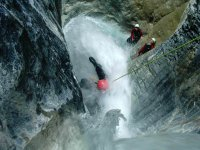 outdoor-canyoning.jpg